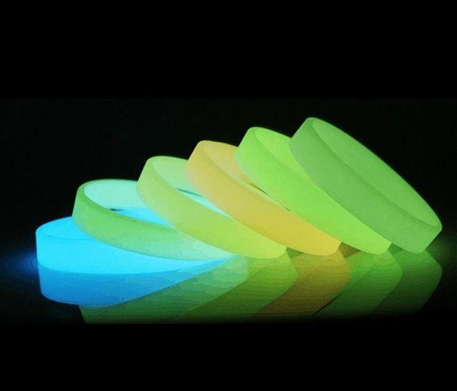 fluoriszierende Silikonarmbänder bedrucken
